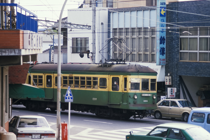 6211江ノ電_300形306編成_江ノ島-腰越間