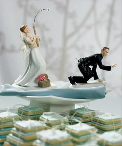 海外おもしろ結婚式画像_花嫁新郎釣る