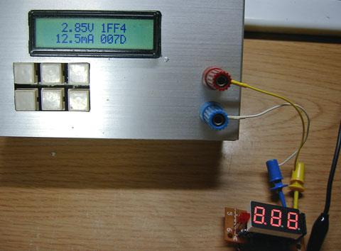 電圧計285V