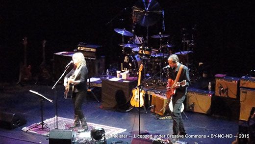 LucindaWilliams2015-07-24VernonAndDistrictPerformingArtsCentreCanada20(11).jpg