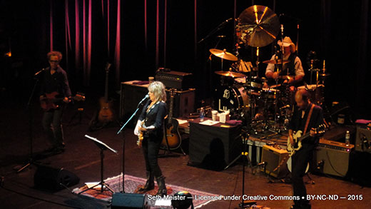 LucindaWilliams2015-07-24VernonAndDistrictPerformingArtsCentreCanada20(12).jpg