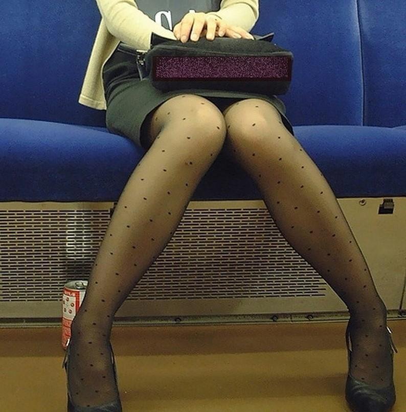 電車パンチラ&エロ脚三昧~10
