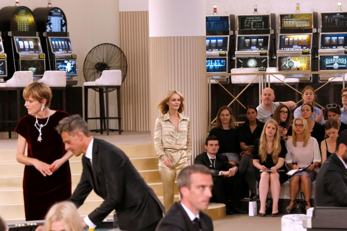 Lily-Rose-Depp-and-Vanessa-Paradis-at-Chanel-fashion-showx.jpg