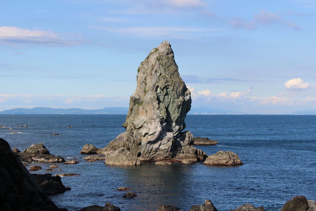 上立神岩-1