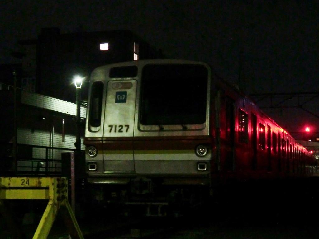 7127F.jpg