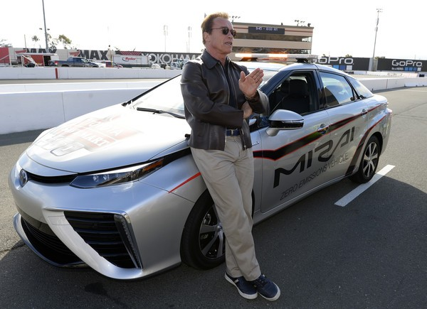 arnold-schwarzenegger-drives-2016-toyota-mirai-at-toyota-save-mart-350-nascar-video_9.jpg