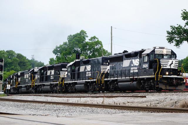 July2215 NS 7cars -1