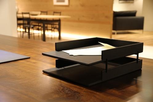 ixc. Leather tray organizer (イクスシーオリジナル レザー レタートレー2段セット)CASSINA IXC. Ltd.(カッシーナ・イクスシー)