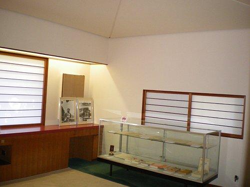 吉屋信子邸・寝室1