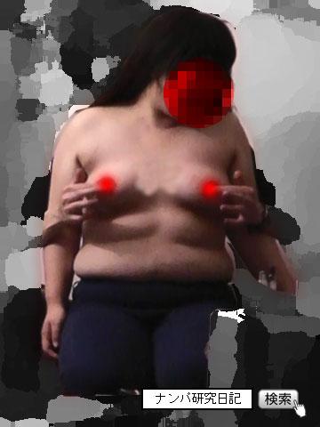 【出会い系アポ】 デブデブな美容師 努力のセックス_乳揉み