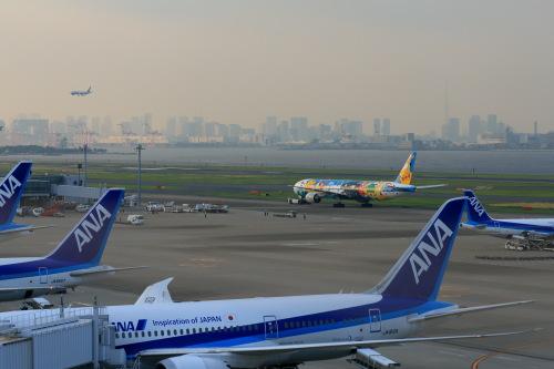 羽田空港 ・・・ サムネイル画像
