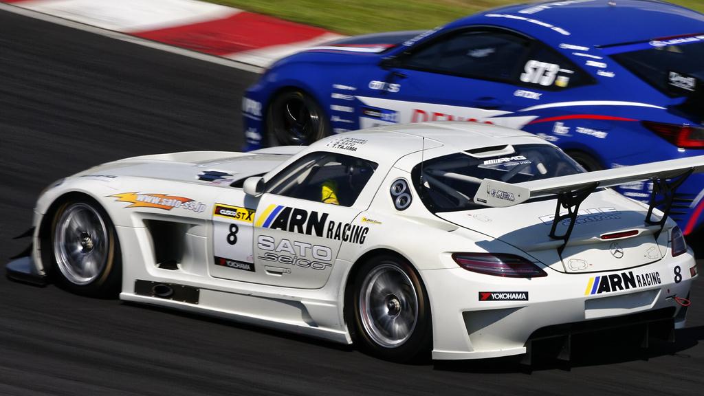 #8 ARN RACING / SLS AMG GT3 / SLS AMG