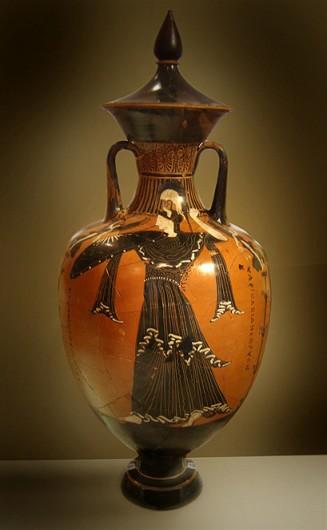 電子メールで使われる「@」のルーツは、英語の「at」ではなく、古代ギリシャの素焼きのツボ「amphora」の頭文字?