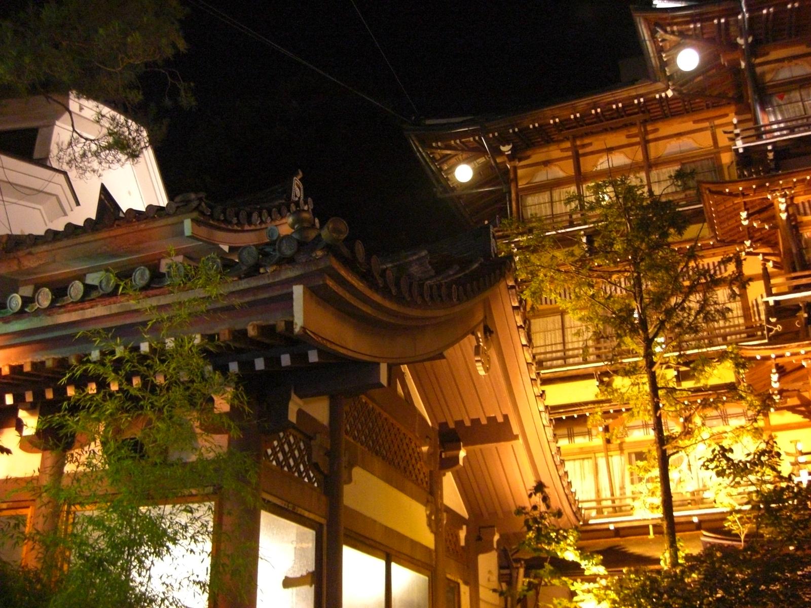 夜の渋温泉5金具屋