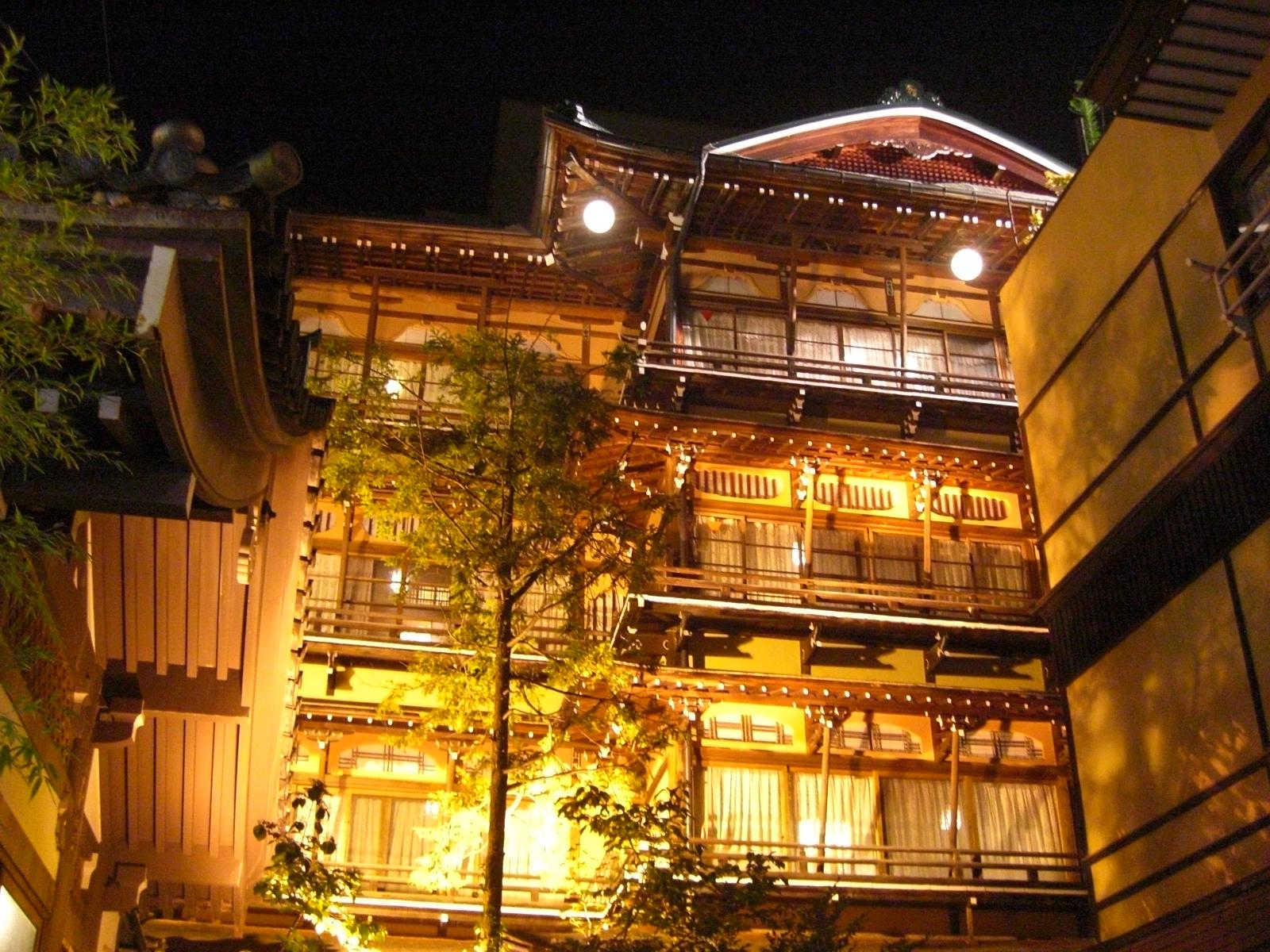 夜の渋温泉7金具屋