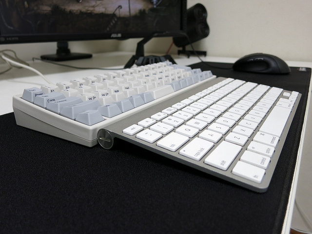 AppleWirelessKeyboard_Palmrest_01.jpg