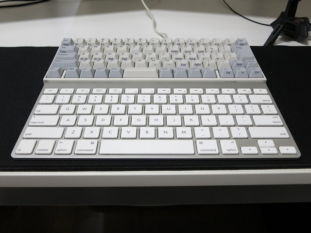 AppleWirelessKeyboard_Palmrest_02.jpg
