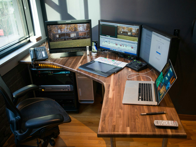 Desktop_MultiDisplay37_01.jpg