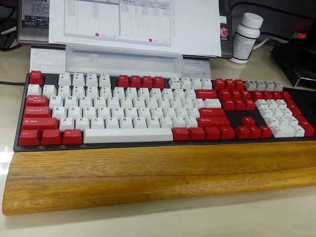 Mechanical_Keyboard_Palmrest3_19.jpg
