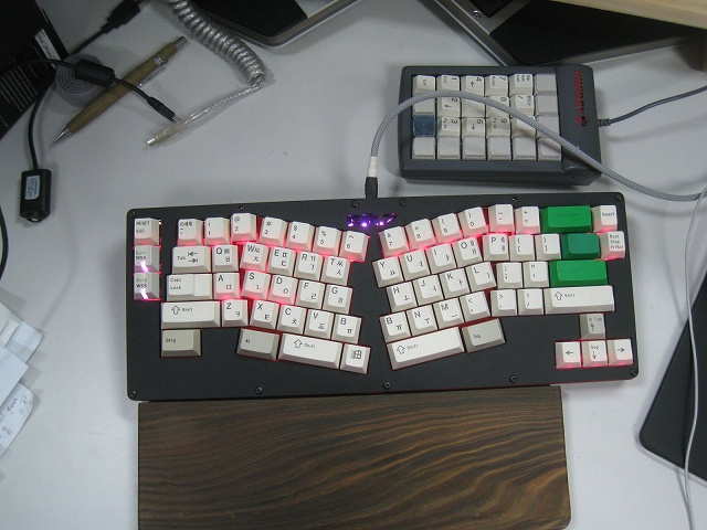 Mechanical_Keyboard_Palmrest3_37.jpg