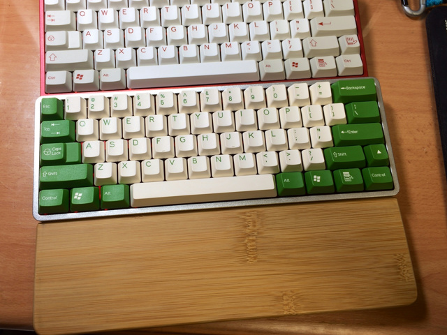 Mechanical_Keyboard_Palmrest3_40.jpg