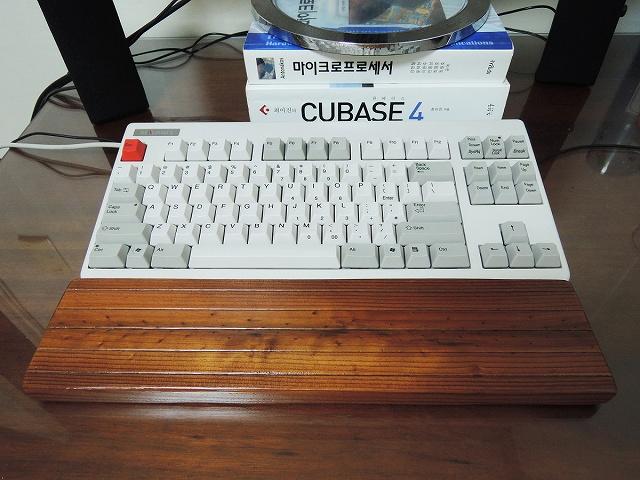 Mechanical_Keyboard_Palmrest3_61.jpg