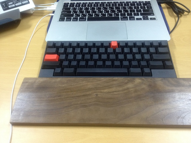 Mechanical_Keyboard_Palmrest3_63.jpg
