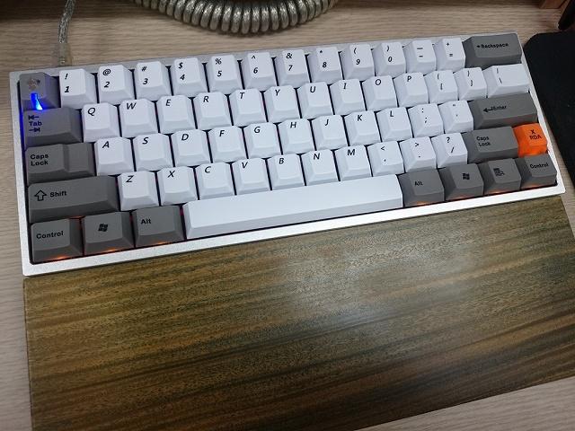 Mechanical_Keyboard_Palmrest3_66.jpg