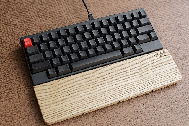 Mechanical_Keyboard_Palmrest3_67.jpg