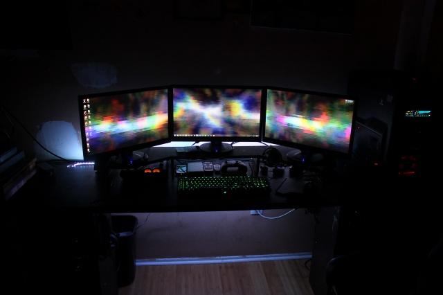 PCdesk_MultiDisplay50_59.jpg