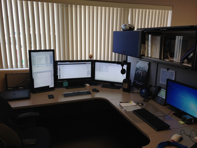 PCdesk_MultiDisplay51_14.jpg