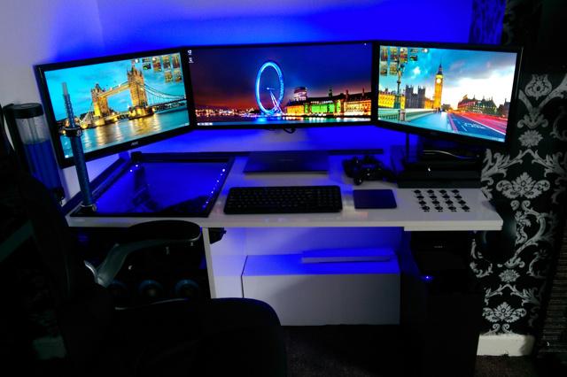 PCdesk_UltlaWideMonitor5_07.jpg