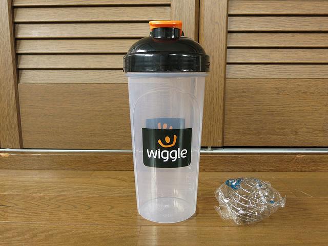 Wiggle_Nutrition_Shaker_Bottle_03.jpg