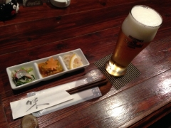 久鶴:ビールとお通し